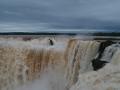 Vue depuis le côté argentin - Garganta del Diablo, un débit incroyable, accompagné d'une douche gratuite !